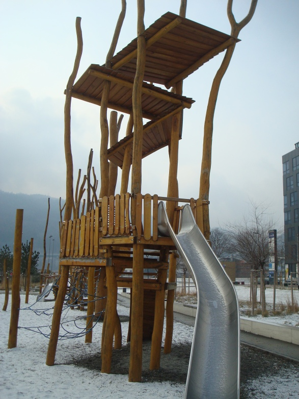 Пасивна детска градина, Инсбрук, Австрия - детска площадка