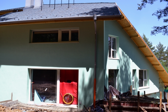 Blower door test of the building envelope's airtightness